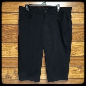 Faded Glory size 16 black ankle capris
